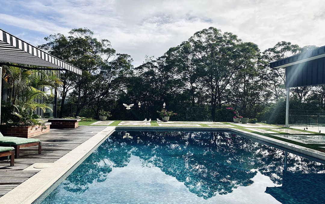 topas open awning poolside